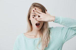 Mắt bị viêm kết mạc thường được biết đến với tên gọi đau mắt đỏ.
